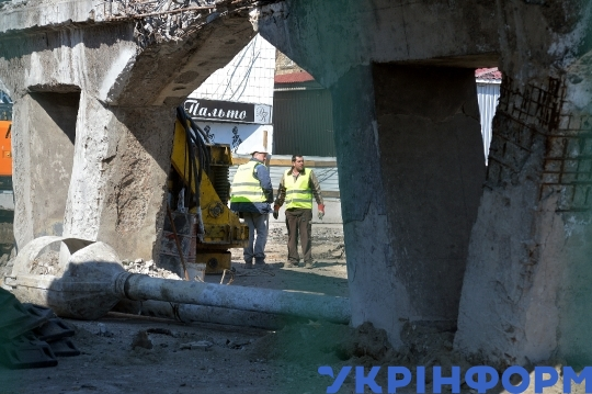 Shuliavskyi Overpass taken to pieces in Kyiv