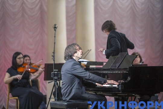 Composer and pianist Vadym Neselovskyi gives concert in Kyiv