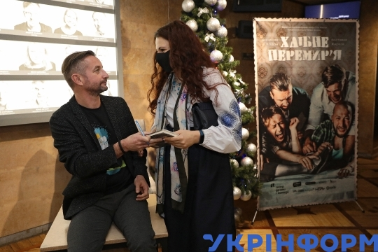Art Director of Drama and Comedy Theatre Stas Zhyrkov meets writer Serhii Zhadan